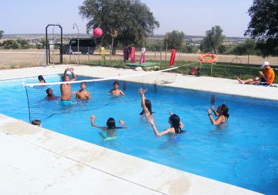 Piscina en InterCamp